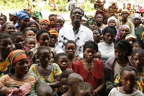 Le Dr. Mukwege and his patients
