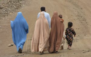 afghan-women-in-burkas