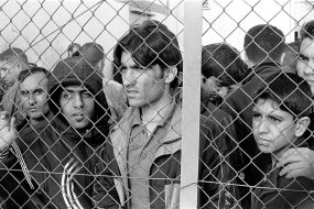 1024px-20101009_arrested_refugees_immigrants_in_fylakio_detention_center_greece